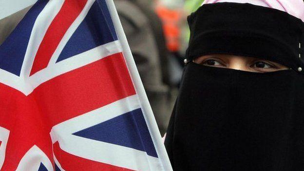 'इस्लामिक इंग्लैंड' की एक यात्रा : द वॉल स्ट्रीट जर्नल के इस लेख पर विवाद हो गया है